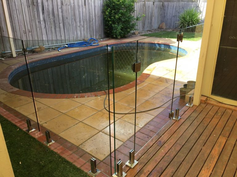 Pool Fencing Sunbury